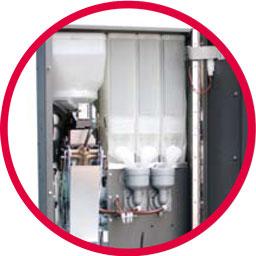 Particolare contenitori solubili e mixer